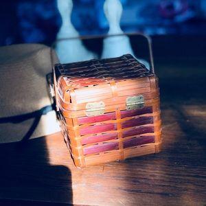 Vintage Bags - Sweetest Vintage Woven Little Basket Purse Ever